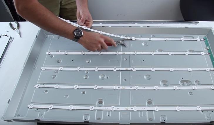 Thay bộ đèn led/dãi Led cho tivi sony lg samsung